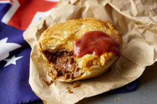 http://www.taste.com.au/recipes/8984/aussie+meat+pies
