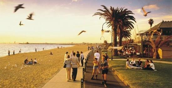 https://www.tripadvisor.co.uk/Hotel_Review-g255360-d637029-Reviews-St_Kilda_Beach_House-St_Kilda_Port_Phillip_Greater_Melbourne_Victoria.html